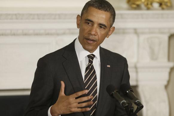 वाशिंगटन के व्हाइट हाउस में एक सभा को संबोधित करते अमेरिकी राष्ट्रपति बराक ओबामा।