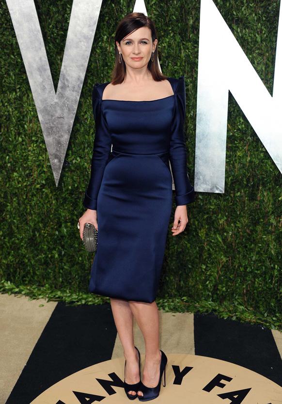 कैलिफोर्निया में वेनिटी फेयर ऑस्कर पार्टी 2013 में अभिनेत्री एमिली मोर्टीमर।