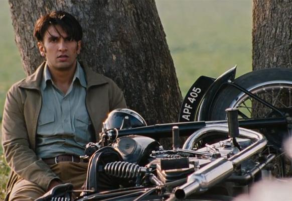 फिल्म 'लुटेरा' में रणवीर सिंह लीट रोल में।