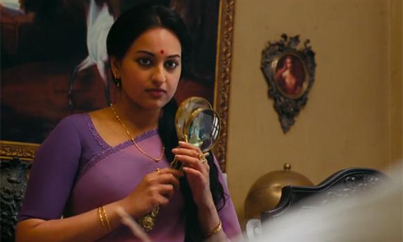 फिल्म 'लुटेरा' में सोनाक्षी सिन्हा हिन्दी सिनेमा की पुरानी अभिनेत्री की ड्रेस में।