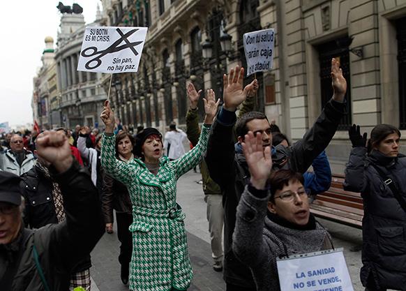 स्पेन के मैड्रिड में विरोध-प्रदर्शन का एक जुलूस।
