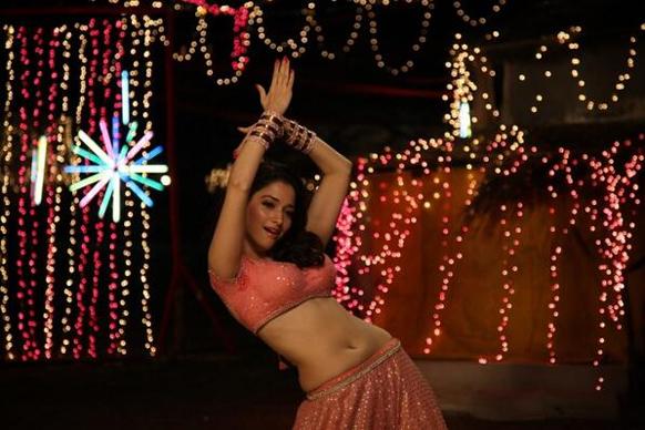 साजिद खान की फिल्म हिम्मतवाला में अदाकारा तमन्ना।