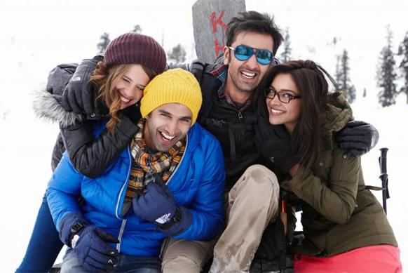 फिल्म यह जवानी है दीवानी के शूटिंग के दौरान रणबीर कपूर,दीपिका पादुकोण और अन्य कलाकार।