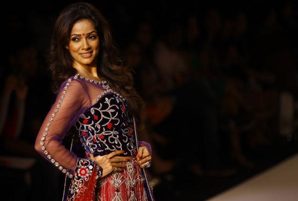 मुंबई में लैक्मे फैशन वीक के दौरान अभिनेत्री विद्या मालवडे।