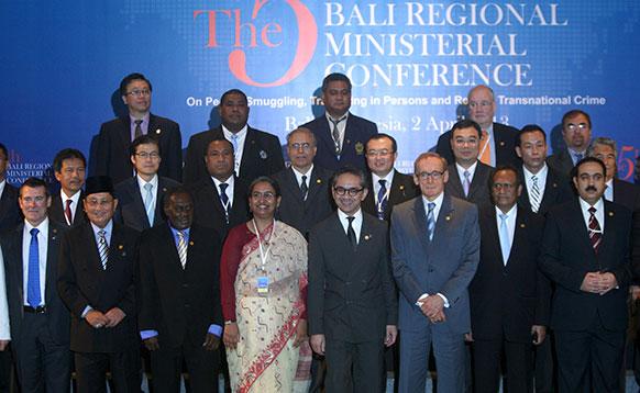 रिजनल मिनिस्ट्रीयल मीटिंग के दौरान प्रतिनिधि।
