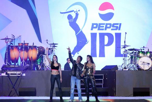 इंडियन प्रीमियर लीग 6 का शानदार रंगारंग आगाज दो अप्रैल, 2013 को कोलकाता में हुआ। फोटो सौजन्य: रवि शंकर/रेड चिलीज एंटरटेनमेंट।