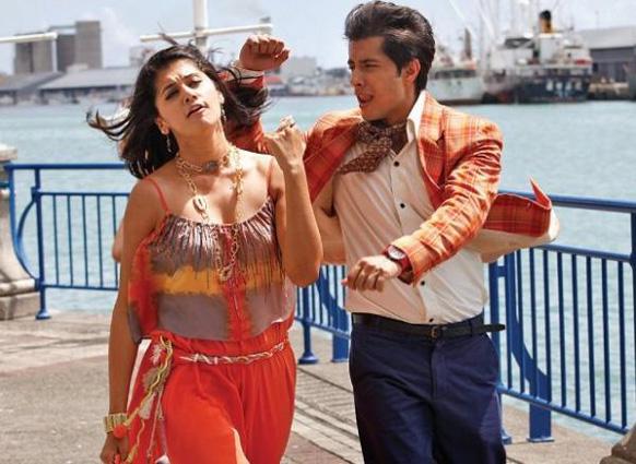 फिल्म चश्मे बद्दूर के एक दृश्य में तापसी को रिझाते हुए अभिनेता अली जाफर।