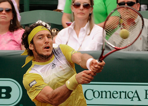 यूएस मेन्स क्ले कोर्ट टेनिस चैंपियनशिप के सेमीफाइनल के दौरान अर्जेंटीना के खिलाड़ी जुआन मोनाको।