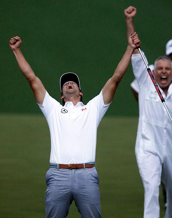 आगस्टा में मास्टर्स गोल्फ टूर्नामेंट के दौरान आस्ट्रेलिया के एडम स्कॉट।