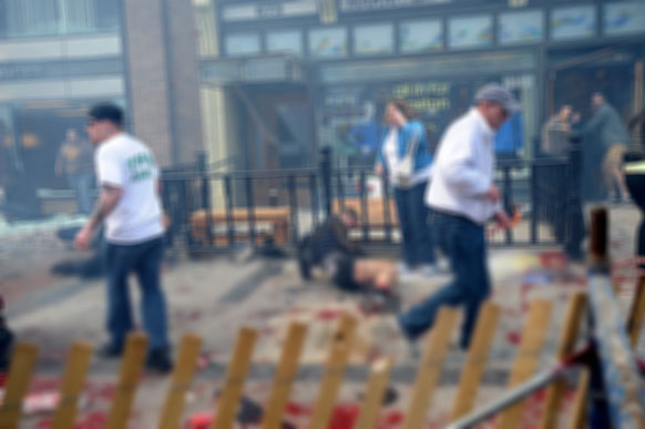 अमेरिका के बोस्टन मैराथन के दौरान हुए बम धमाकों में 3 की मौत और 100 से ज्यादा लोग घायल हो गए।