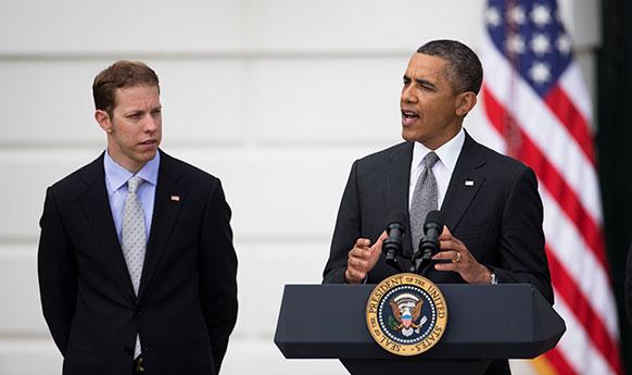वाशिंगटन हाउस में संबोधित करते हुए अमेरिकी राष्ट्रपति बराक ओबामा।
