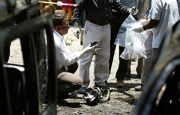 बेंगलुरु में ब्लास्ट के बाद एनआईए की टीम मौके पर पहुंच गई और उसने जांच शुरू कर दी।
