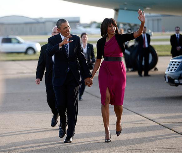 टेक्सस फर्टिलाइजर प्लांट में धमाके में मारे गए लोगों की याद में आयोजित कार्यक्रम में हिस्सा लेने पहुंचे अमेरिकी राष्ट्रपति बराक ओबामा और प्रथम अमेरिकी महिला नागरिक मिशेल ओबामा।