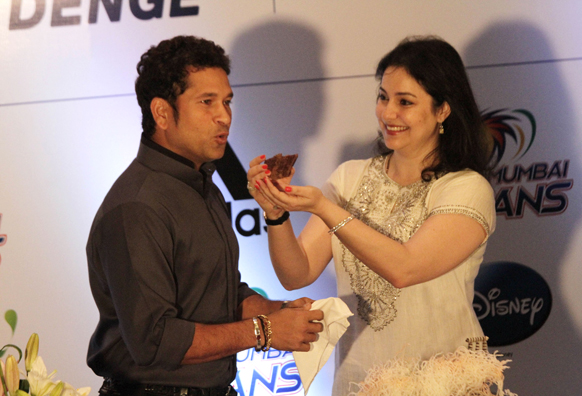 24 अप्रैल को क्रिकेटर सचिन तेंदुलकर ने अपना 40 वां बर्थडे मनाया।