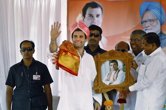 बैंगलोर से 70 किलोमीटर दूर तुमकुर में कर्नाटक विधानसभा चुनाव के लिए रैली को संबोधित करते हुए कांग्रेस उपध्यक्ष राहुल गांधी।