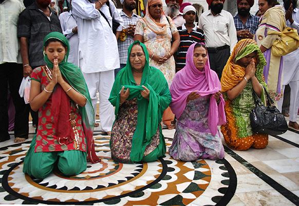 पाकिस्तान जाने से पहले दलबीर कौर ने सरबजीत की बेहतरी के लिए गोल्डेन टेंपल में दुआ मांगी थी।