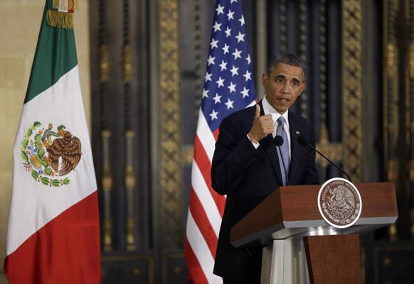 मेक्सिको सिटी में अपना भाषण देते अमेरिकी राष्ट्रपति बराक ओबामा।