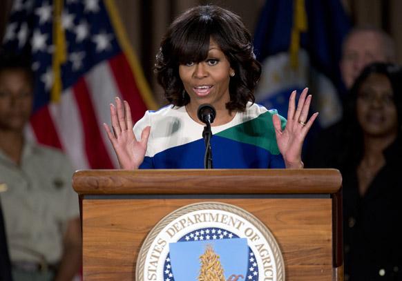 वाशिंगटन में कृषि विभाग को संबोधित करतीं अमेरिका की पहली महिला मिशेल ओबामा।