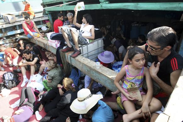 बाली में पकड़े गए ईरानी शरणार्थी।