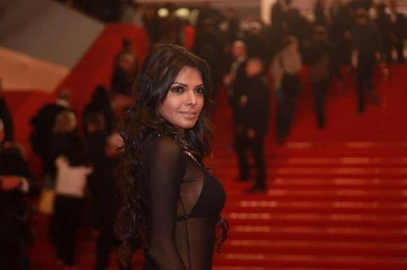 अपनी फिल्म 'कामसूत्र3डी' के प्रमोशन के लिए कॉन्स समारोह में पहुंची अभिनेत्री शर्लिन चोपड़ा।