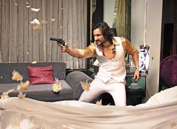 फिल्म बुलेट राजा के एक सीन में सैफ अली खान। (फोटो सौजन्य : फिल्मफेयर)।