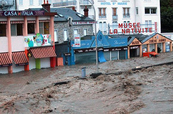 फ्रांस में बाढ़ का कहर