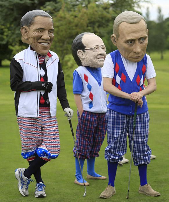 एनजीओ ग्रुप ऑक्सम ने जी-8 के नेताओँ के पुतले कुछ यूं बनाएं जिसमें बराक ओबामा का भी पुतला है।