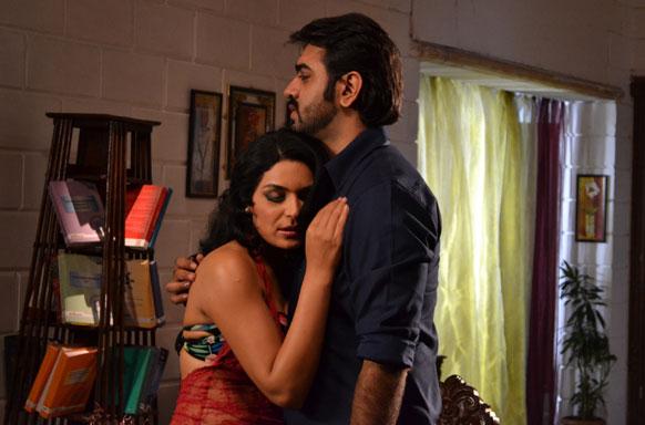 फिल्म भड़ास में आर्यमन के साथ एक सीन में पाकिस्तानी अदाकारा मीरा।