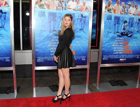 न्यूयॉर्क में अपनी फिल्म के प्रीमियर के दौरान अदाकारा जो लेविन।