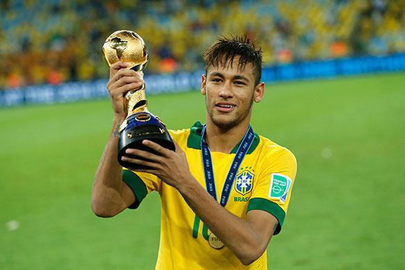 ब्रजील के रियो दी जेनेरो में ब्राजील ने स्पेन को हराकर कंफेडरेशन कप जीता।