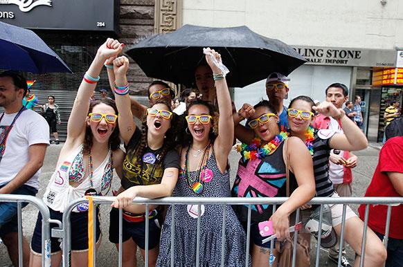 न्यूयॉर्क में गे परेड।