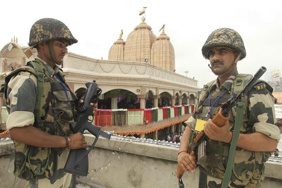 अहमदाबाद में भगवान जगनन्नाथ मंदिर के आसपास सुरक्षा चाक चौबंद कर दी गई है।