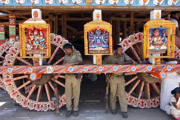 भुवनेश्वर से 60 किलोमीटर दूर पुरी में भगवान जगन्नाथ की रथयात्रा के मद्देजनर सुरक्षा कड़ी कर दी गई है।
