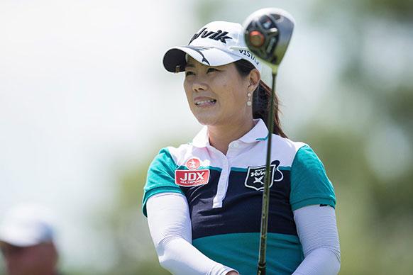 गोल्फ टूर्नामेंटे के दौरान साउथ कोरिया की मीना ली।