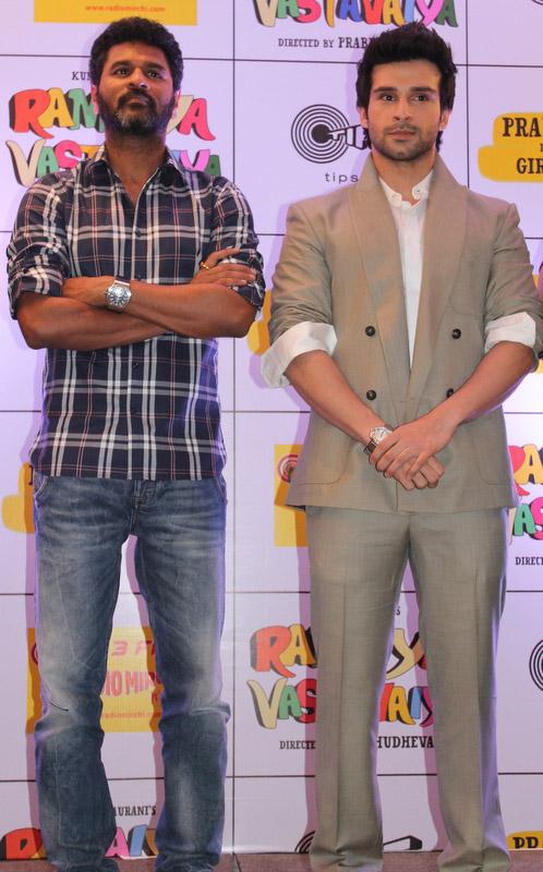 निर्माता कुमार तुर्रानी ने फिल्म रमैय्या वस्तावैय्या से अपने बेटे गिरीश कुमार को रुपहले पर्दे् पर इंट्री कराया।