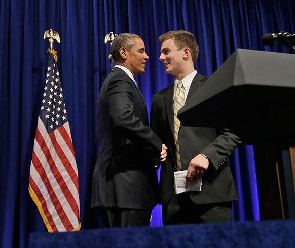 वाशिंगटन में एक प्रेस कॉन्फ्रेंस से पहले अमेरिकी राष्ट्रपति बराक ओबामा।
