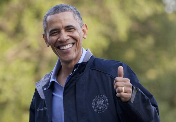 ह्वाइट हाउस में प्रसन्न मुद्रा में अमेरिकी राष्ट्रपति बराक ओबामा।