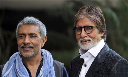 अपनी आगामी फिल्म 'सत्याग्रह' के प्रचार के लिए नई दिल्ली पहुंचे अमिताभ बच्चन और फिल्म निर्माता प्रकाश झा।