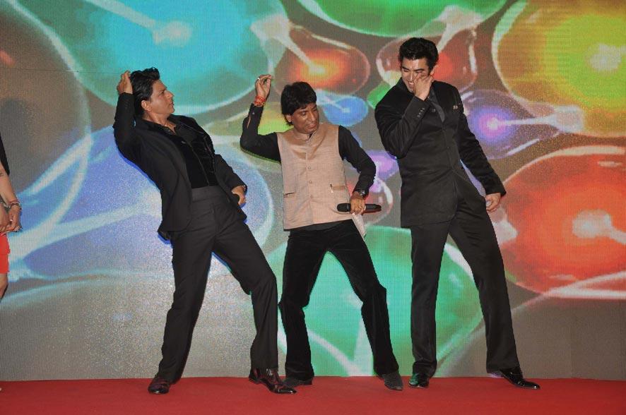 'चेन्नई एक्सप्रेस' की पार्टी में हास्य कलाकार राजू श्रीवास्तव।