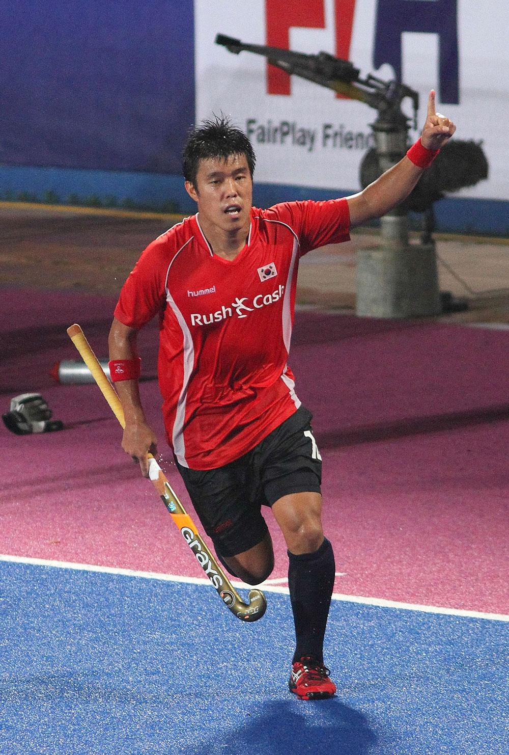 मलेशिया के इपोह में साउथ कोरिया ने एशिया कप हॉकी के फाइनल मुकाबले में भारत को 4-3 से हराया।