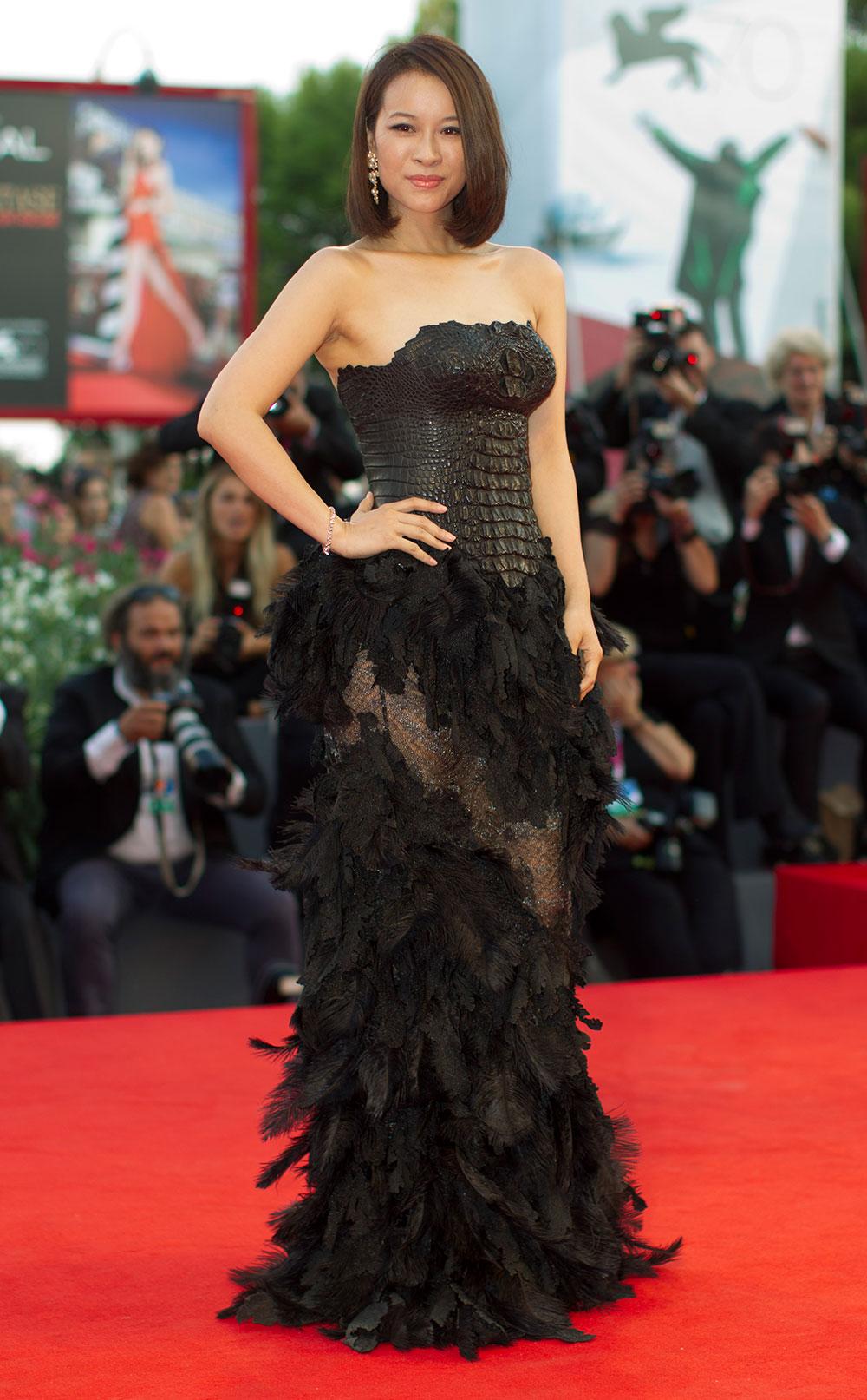 70वें वेनिस फिल्म फेस्टिवल के दौरान रेड कॉर्पेट पर अभिनेत्री वेंचाओ।