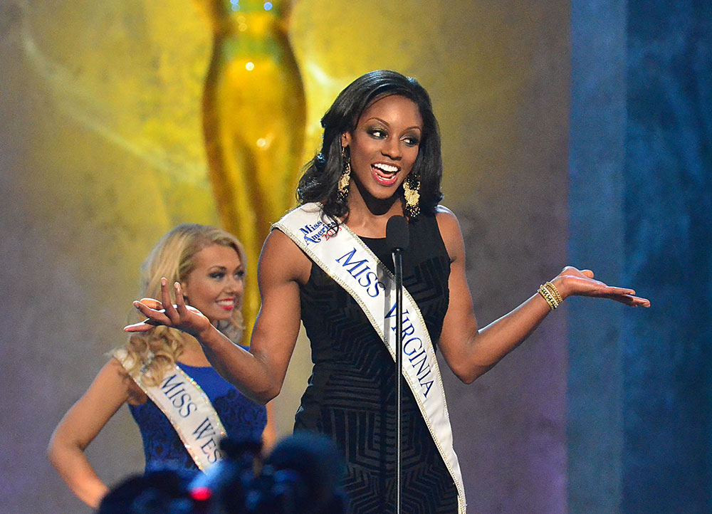 मिस अमेरिका पीजेंट के दौरान मिस वर्जीनियां।