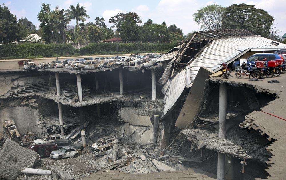 नैरोबी मे आतंकी हमले के बाद ध्वस्त हुए वेस्टेज मॉल का दृश्य।