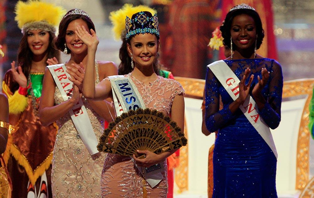 मिस वर्ल्ड के खिताब से नवाजी गई फिलीपिं की मेगान यंग।