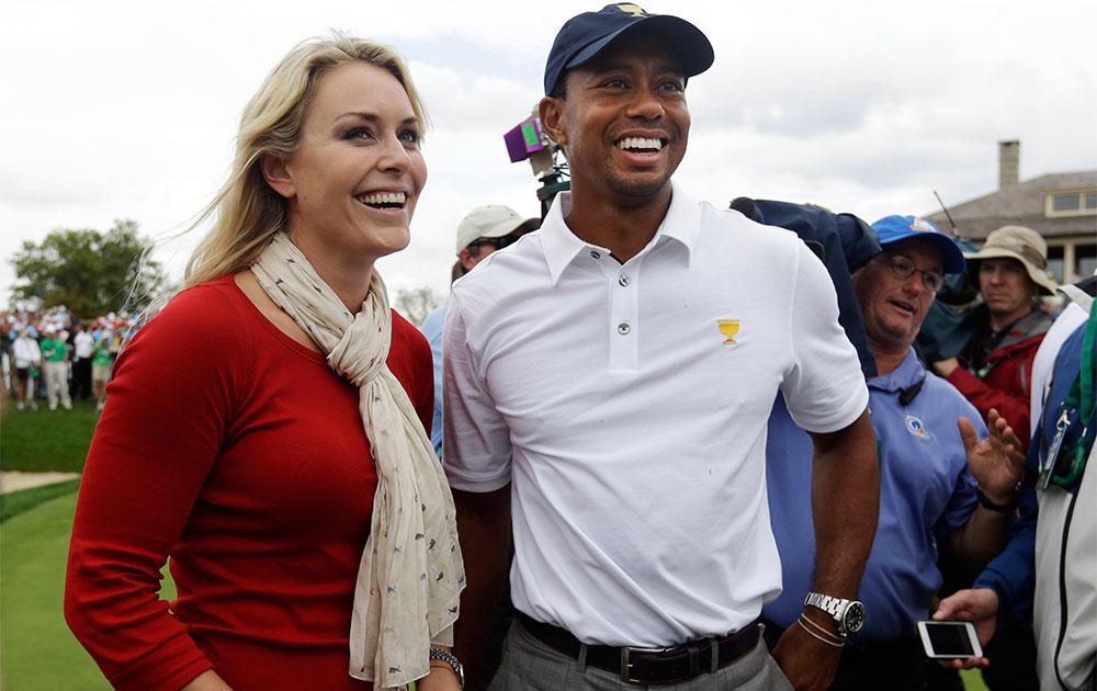 ओहियो में अपनी महिला मित्र लिंडसे वॉन के साथ गोल्फ खिलाड़ी टाइगर वुड्स।