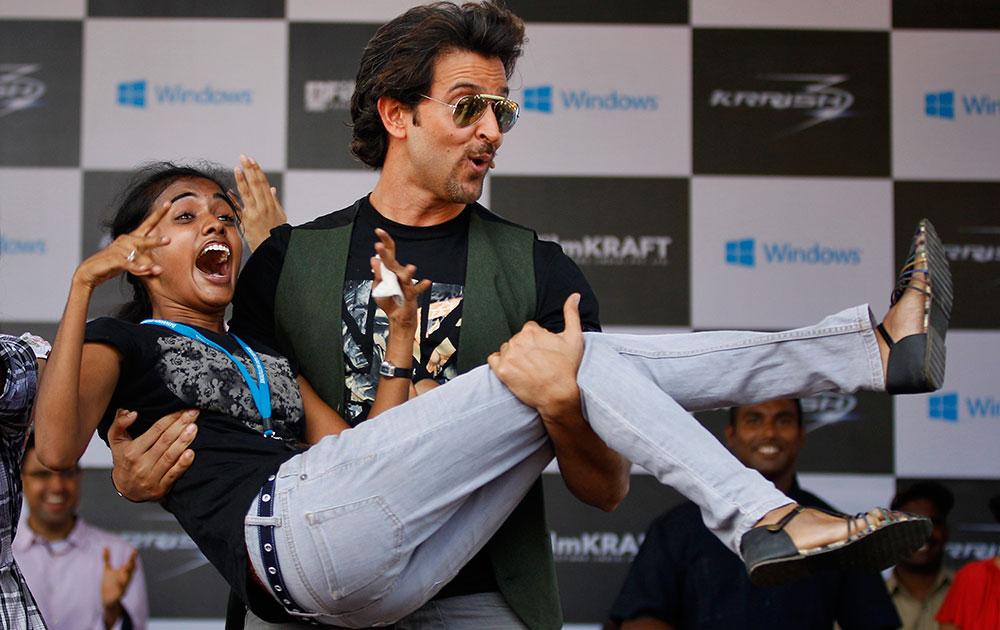 बेंगलुरू में अपनी आगामी फिल्म 'कृष 3' का प्रमोशन करने पहुंचे अभिनेता रितिक रोशन।