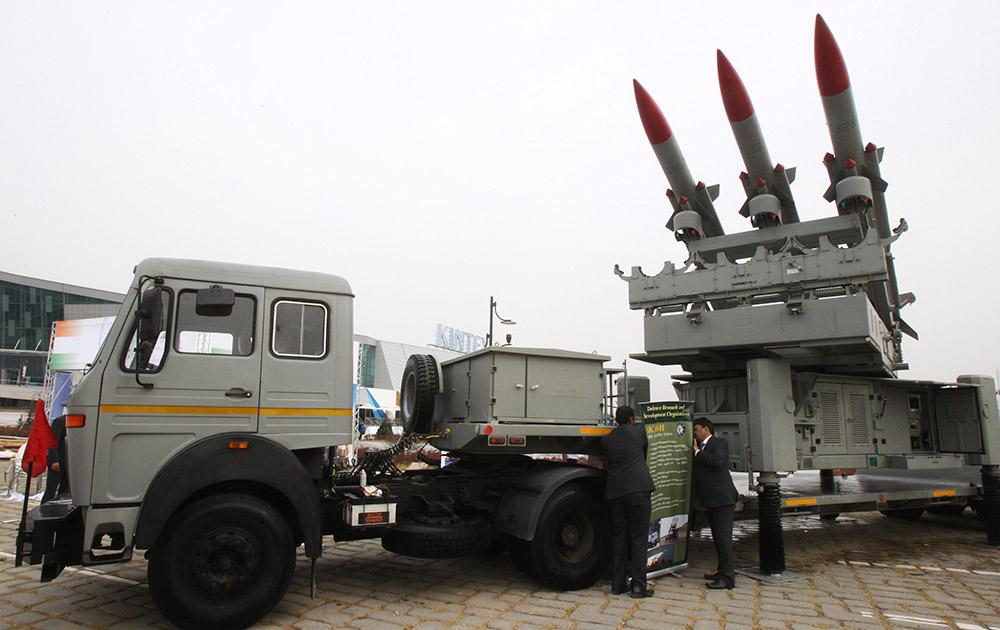 दक्षिण कोरिया के डिफेंस एक्जीबिशन में भारत का मोबाइल लॉन्चर सिस्टम को भी प्रदर्शित किया गया।