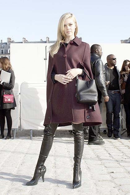 फैशन वीक के दौरान अमेरिकी अभिनेत्री निकोला पेल्टज।