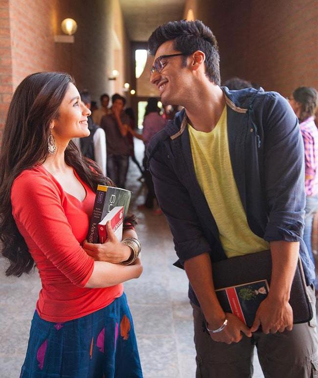 इस फिल्म की कहानी एक पंजाबी लड़के की है, जिसे तमिल लड़की से प्यार हो जाता है।