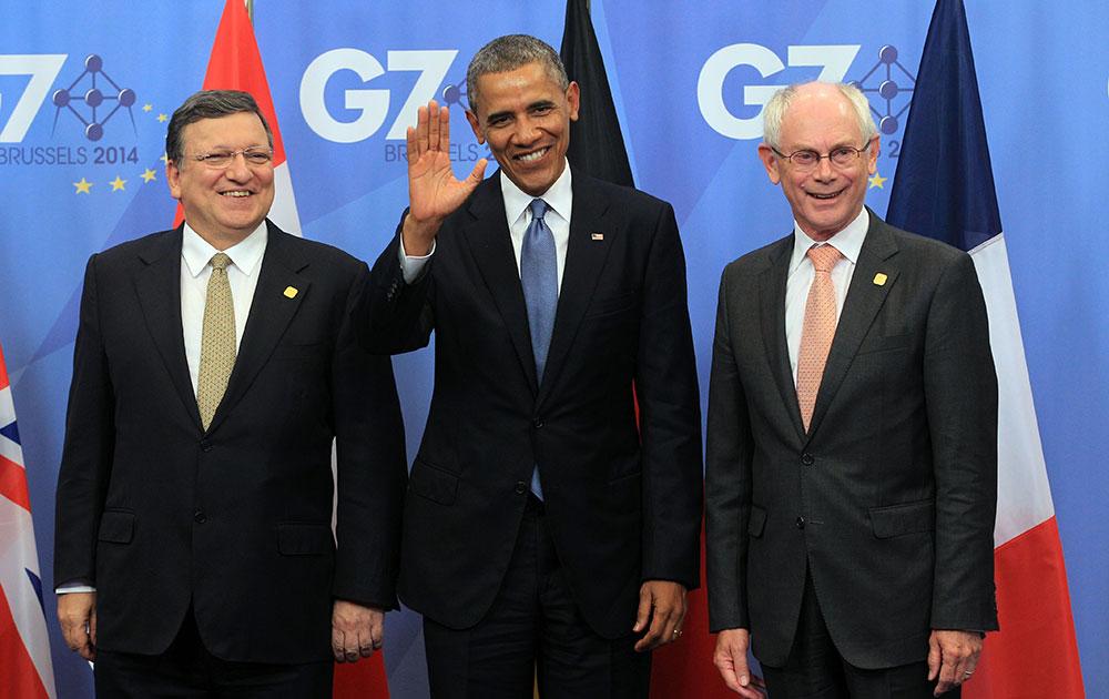 ब्रसेल्स में ईयू काउंसिल बिल्डिंग में जी-7 सम्मेलन के लिए पहुंचे अमेरिका राष्ट्रपति बराक ओबामा का स्वागत किया गया। ओबामा ने हाथ हिलाकर अभिवादन किया।